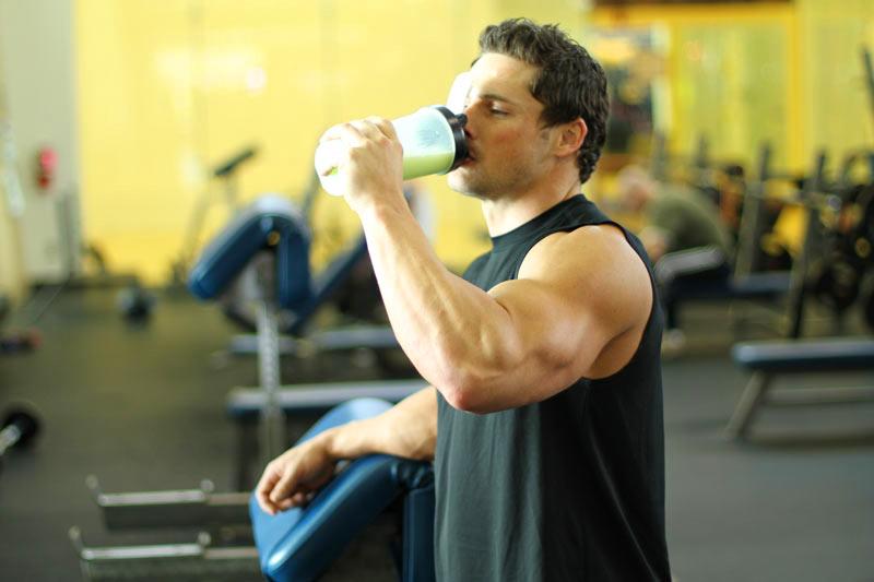 комплекс спортивного питания для набора мышечной массы для мужчин